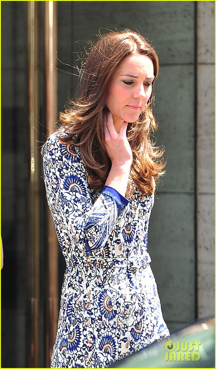 kate middleton steps out after pippa today interview 07