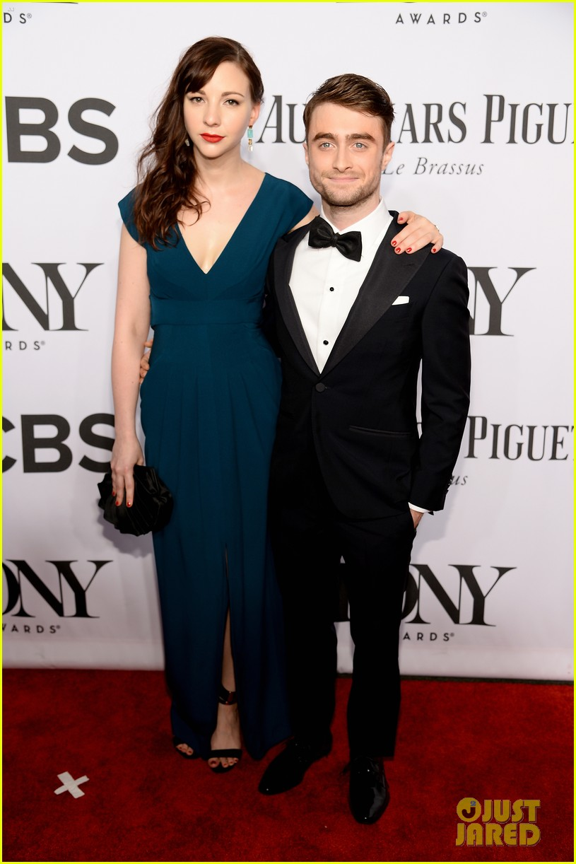 daniel radcliffe erin darke make red carpet debut at tonys 2014 01