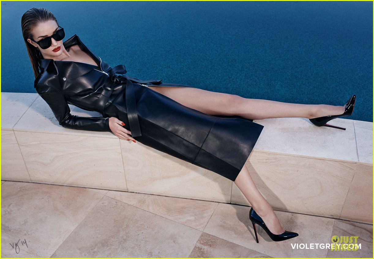 rosie huntington whiteley heats it up for violet grey 14