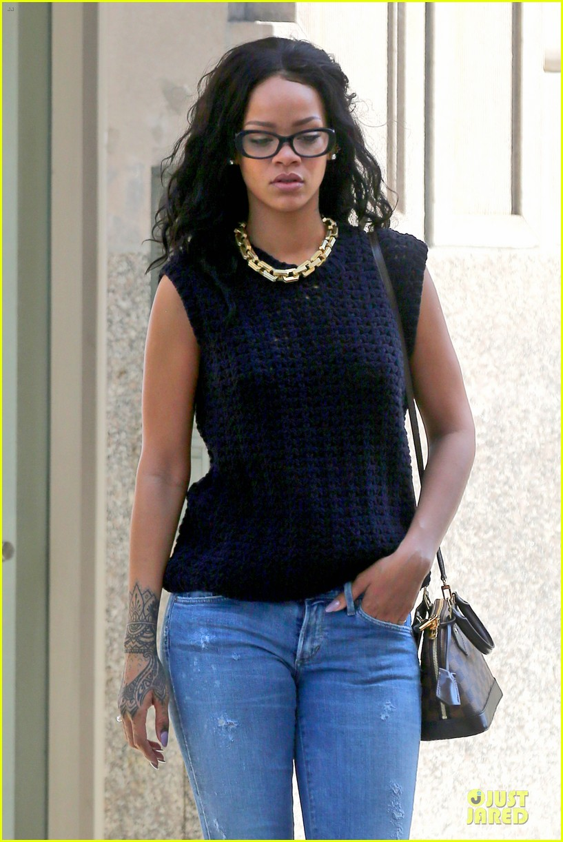 rihanna channel inner nerd in nyc 12