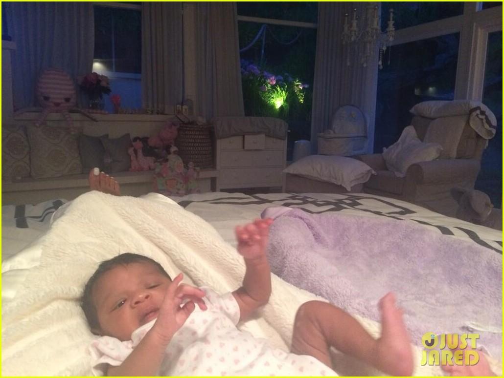 rihanna cutest pics baby niece 26