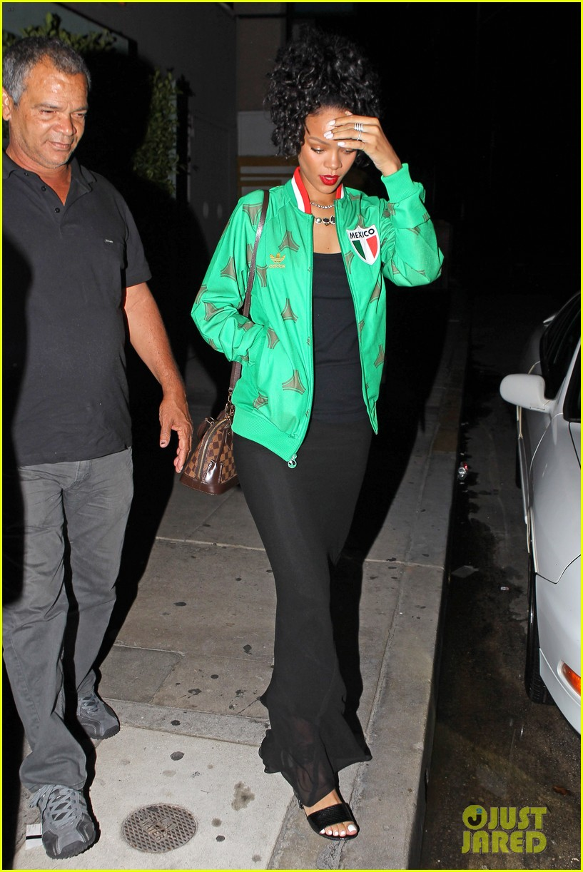 rihanna dinner after skipping the bet awards 01