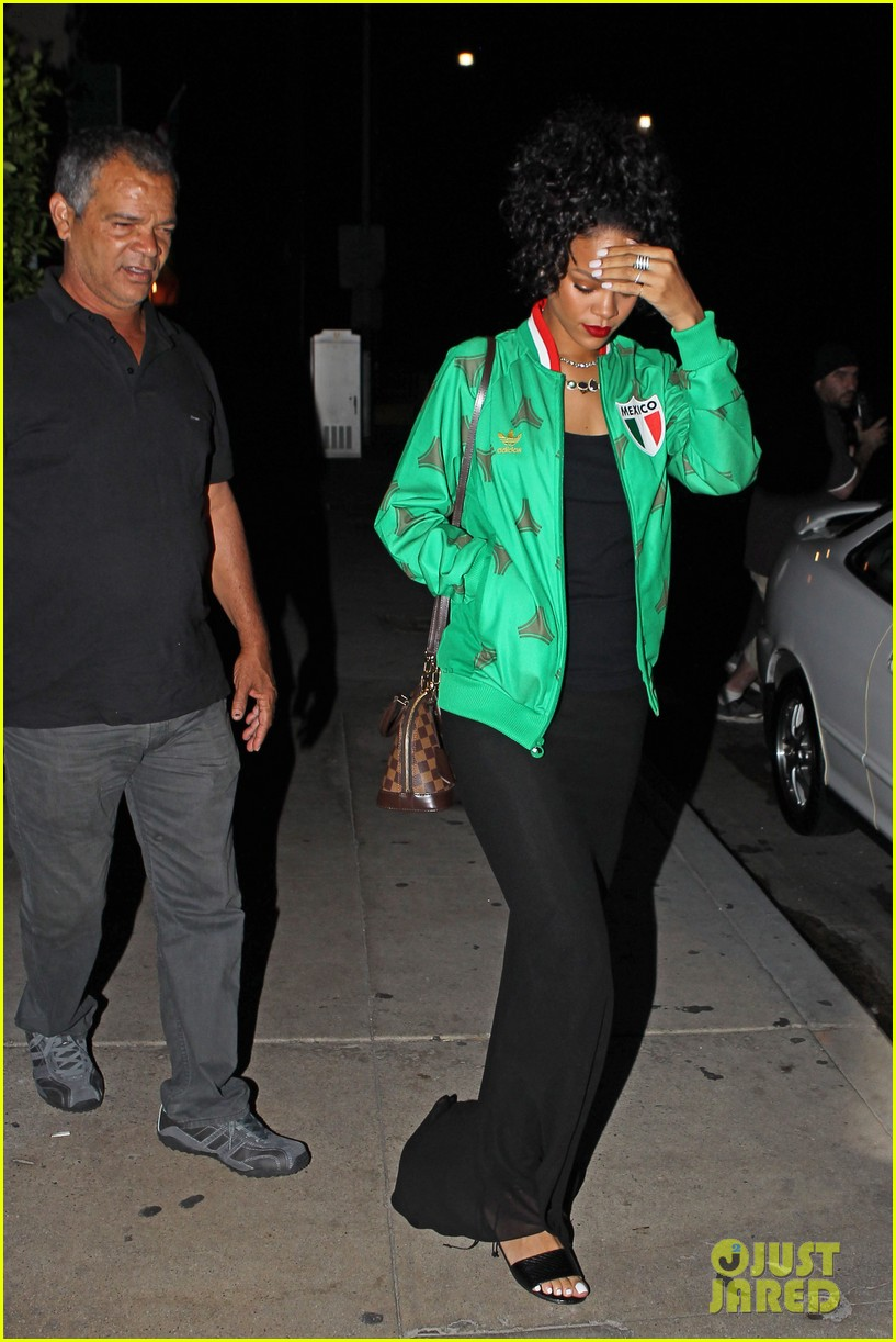 rihanna dinner after skipping the bet awards 21