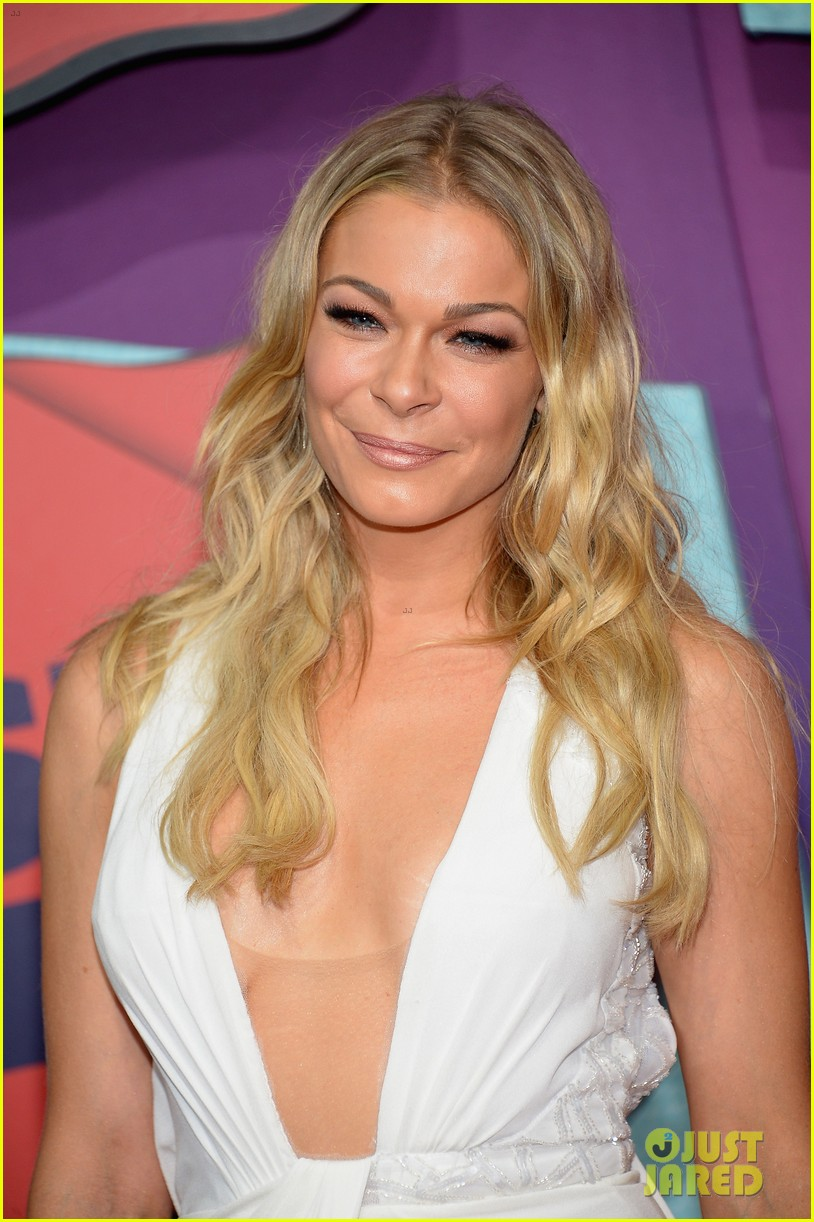 leann rimes cmt music awards 2014 02