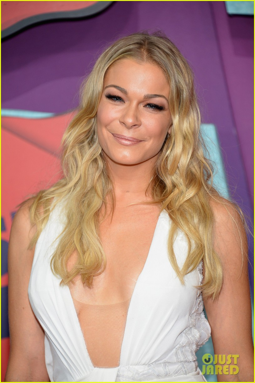 leann rimes cmt music awards 2014 04
