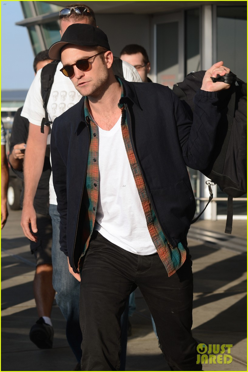 robert pattinson overcome confidence issues 12