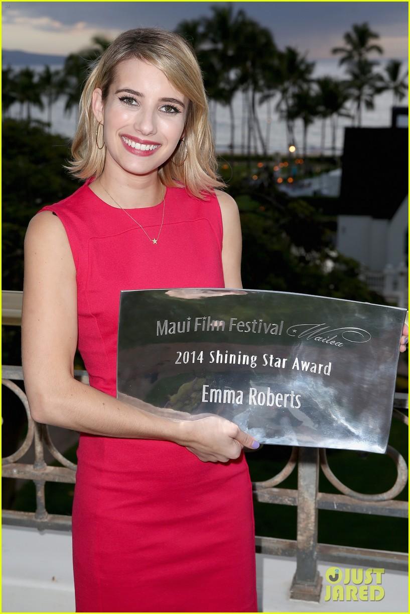 emma roberts wins shining star awards maui film festival 063129739