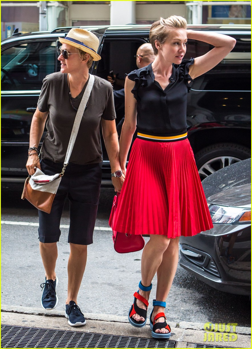 ellen degeneres portia de rossi hold hands tracy morgan 043140215
