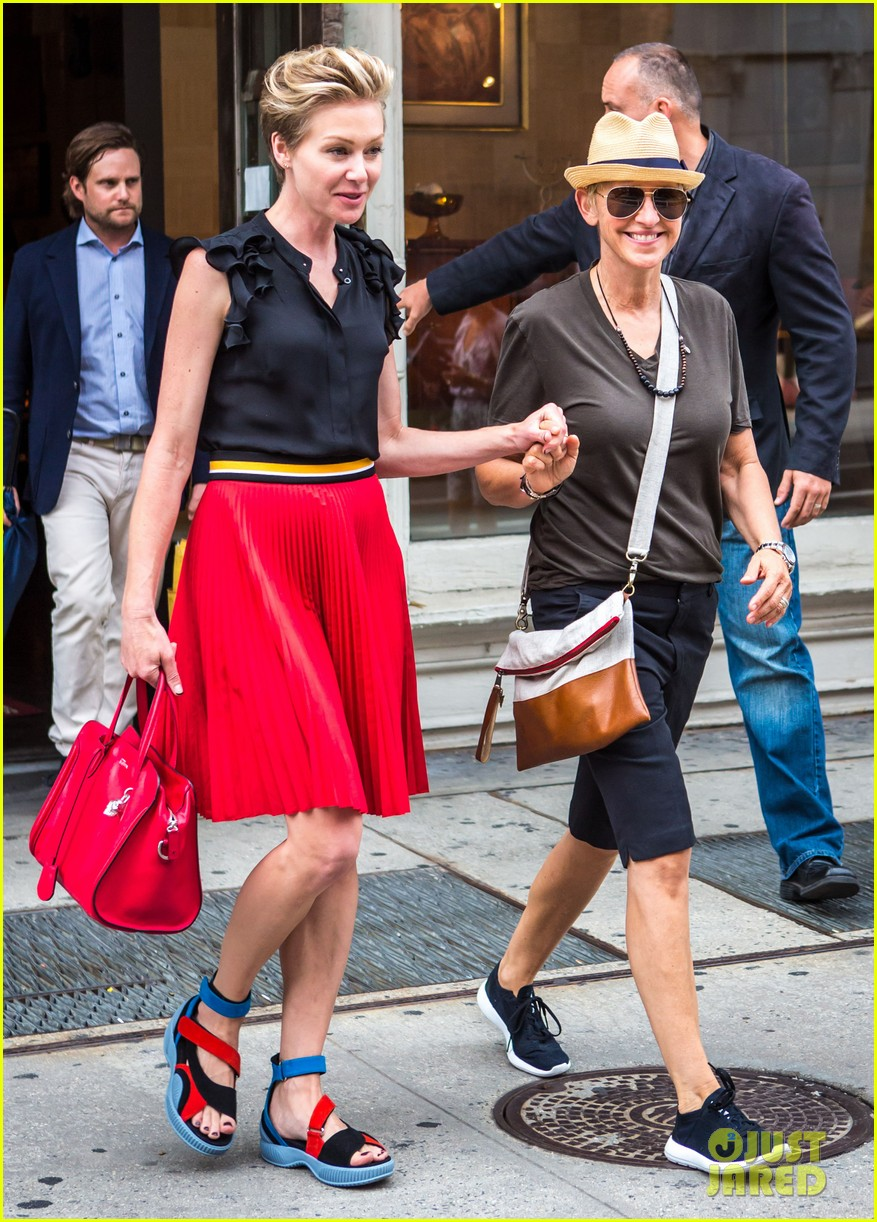 ellen degeneres portia de rossi hold hands tracy morgan 143140225