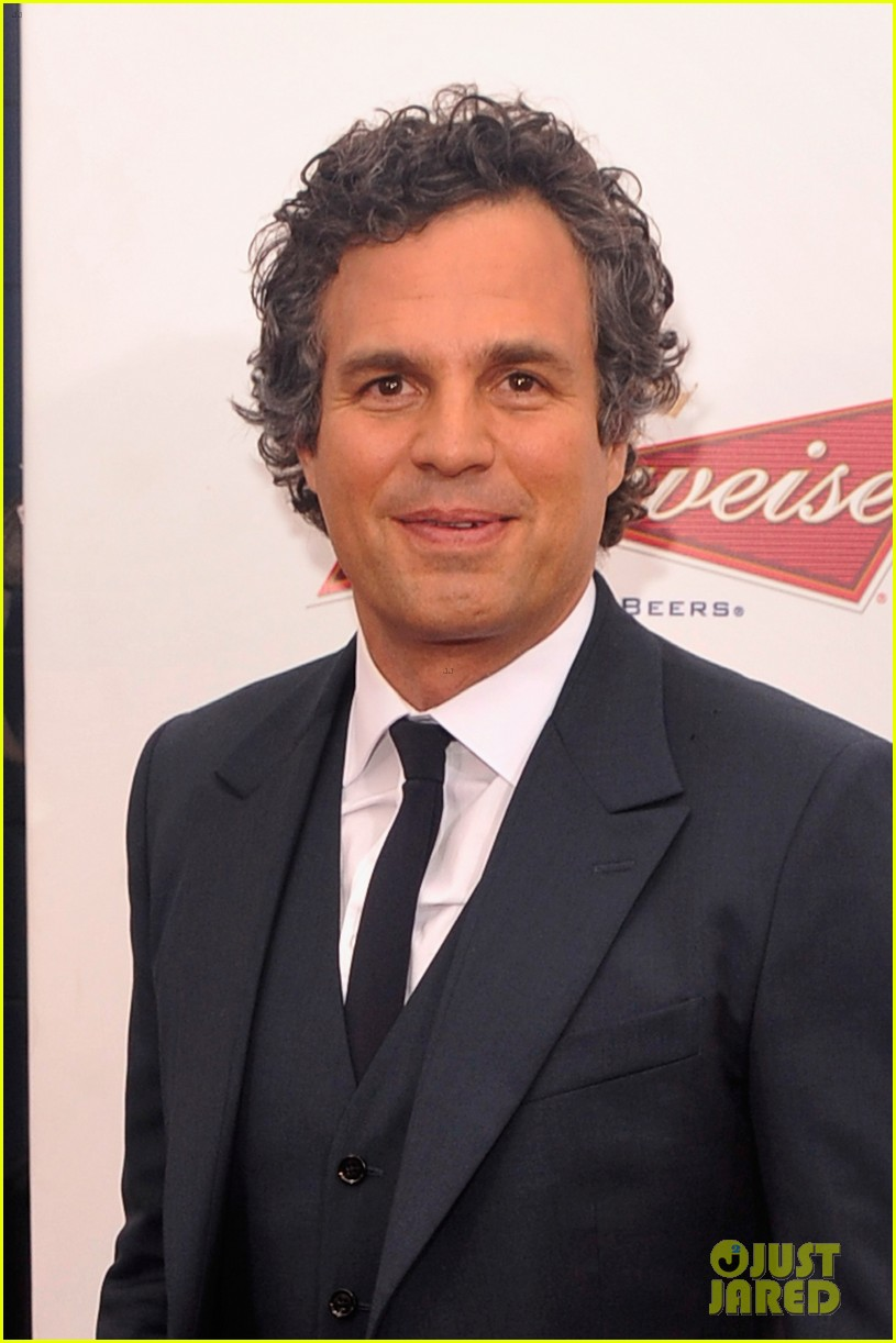 mark ruffalo brie larson begin again premiere 11
