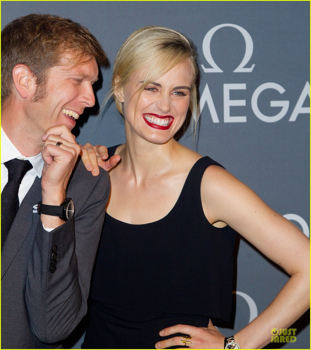 taylor schilling jaime king hang out omega event 213132819
