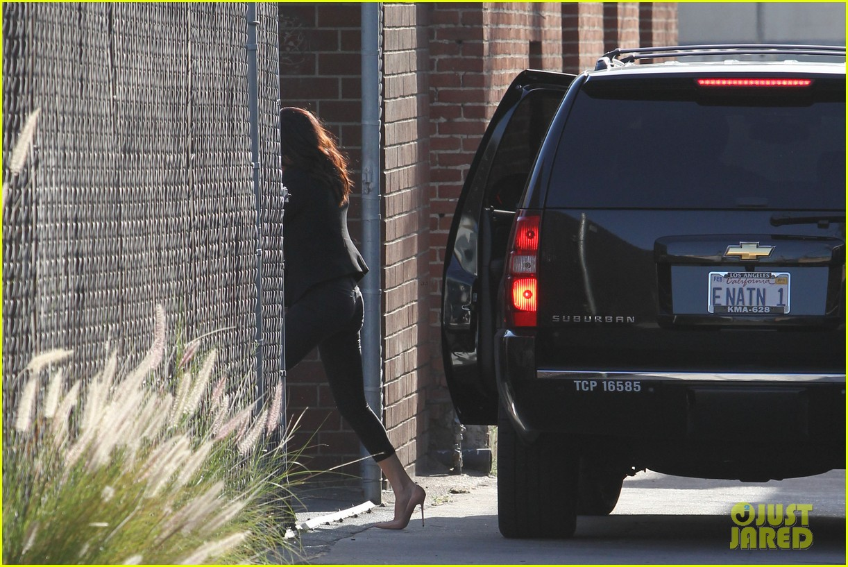 selena gomez studio justin bieber back together 19