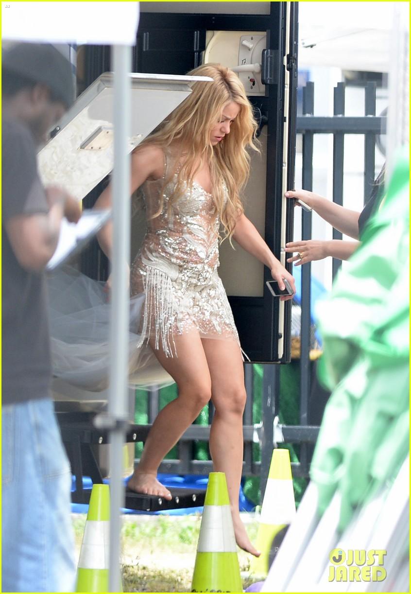 shakira glam belleza latina july 2014 06