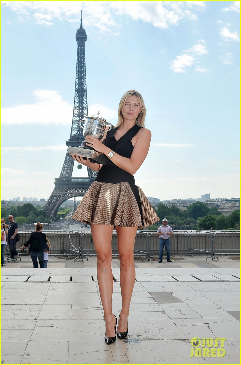 maria sharapova rafael nadal french open trophies 03