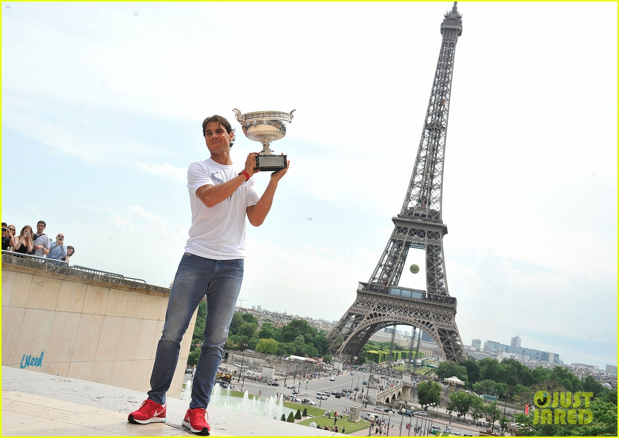 maria sharapova rafael nadal french open trophies 16