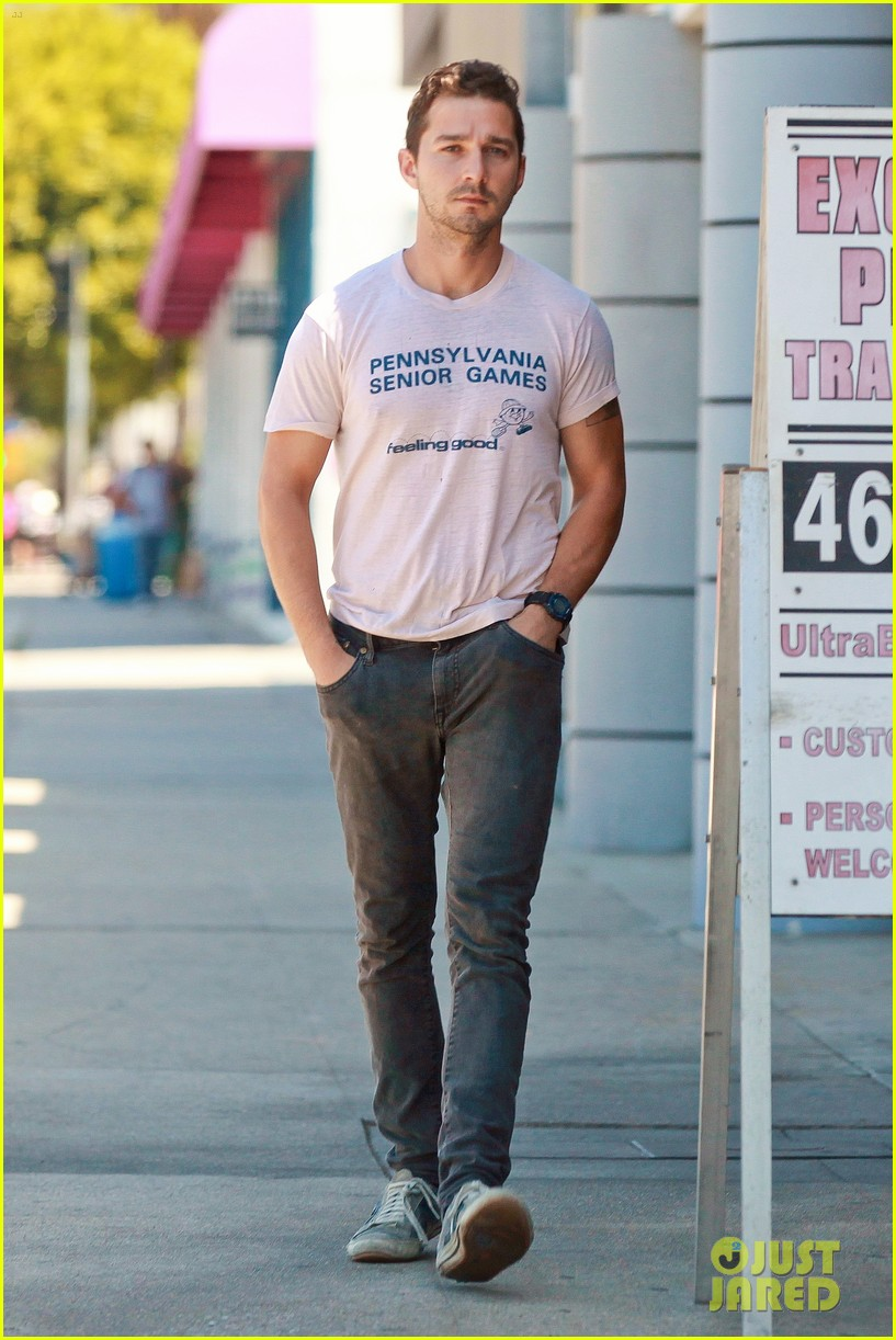 shia labeouf is feeling good en route to the gym 103128794