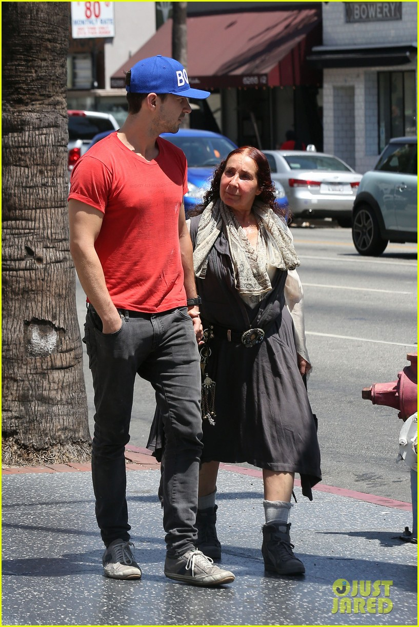 shia labeouf holds hands with his mom while out to lunch 01