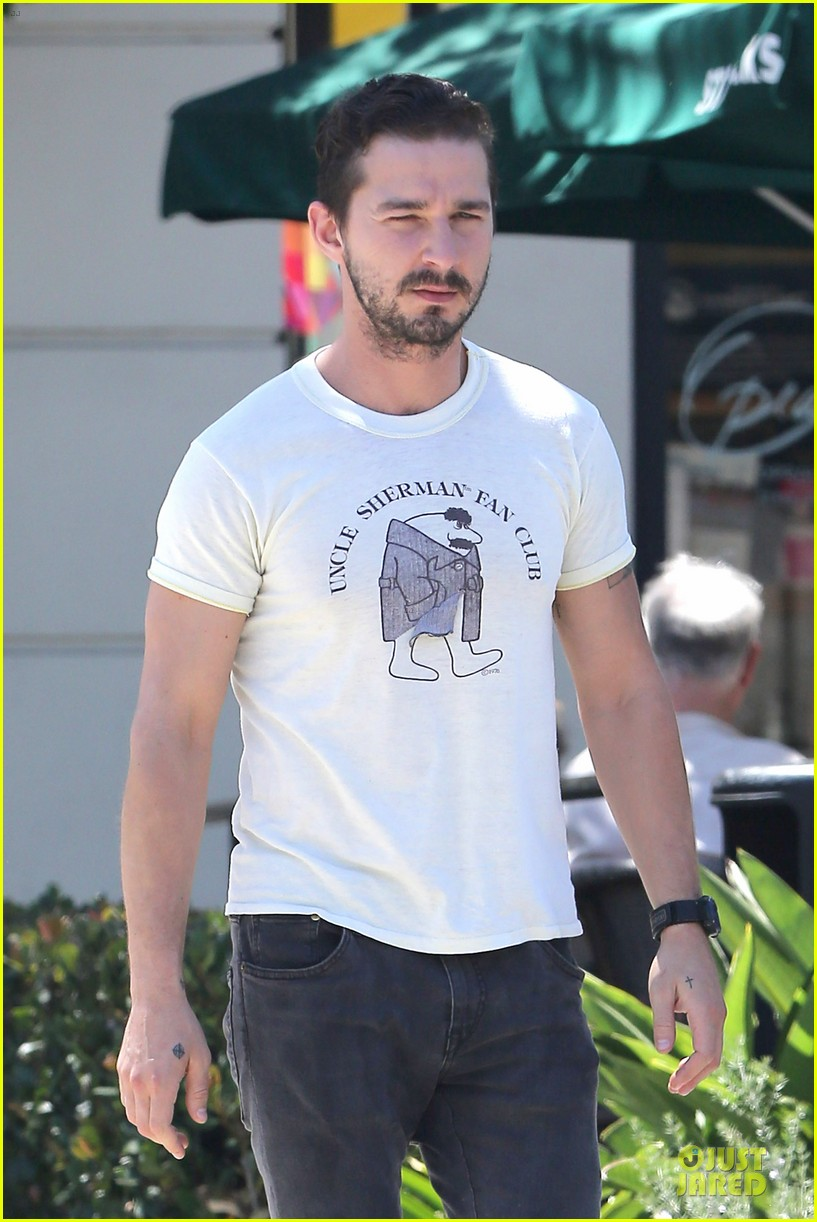 shia labeouf makes us notice flashing uncle sherman 04
