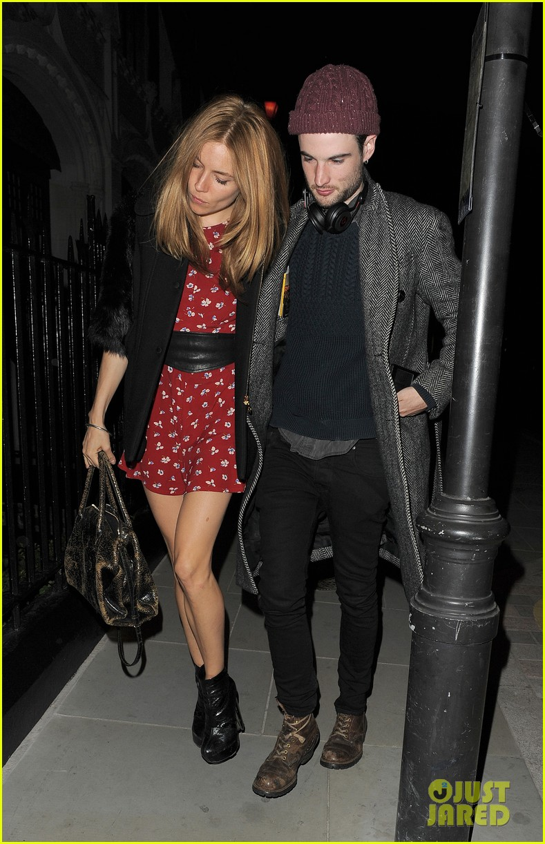 sienna miller tom sturridge date night in london 06