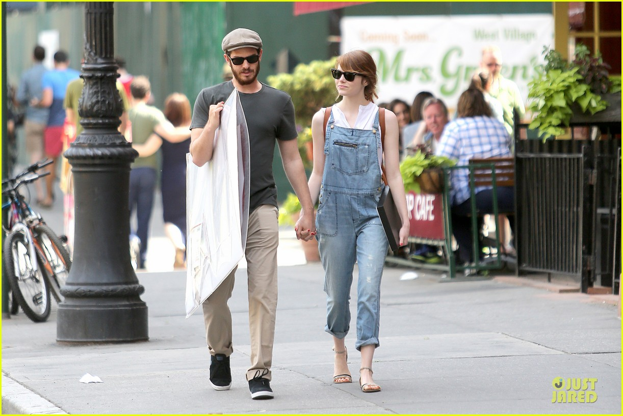 emma stone looks trendy in overalls andrew garfield 083140786