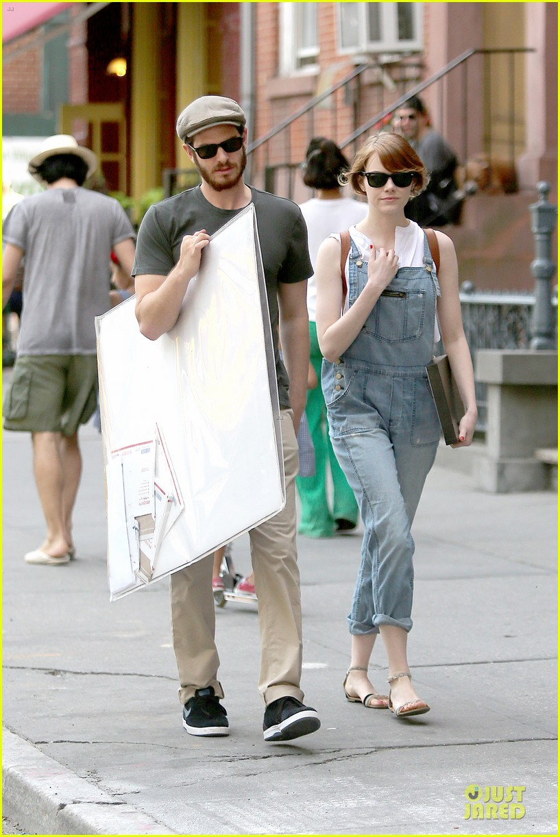 emma stone looks trendy in overalls andrew garfield 11