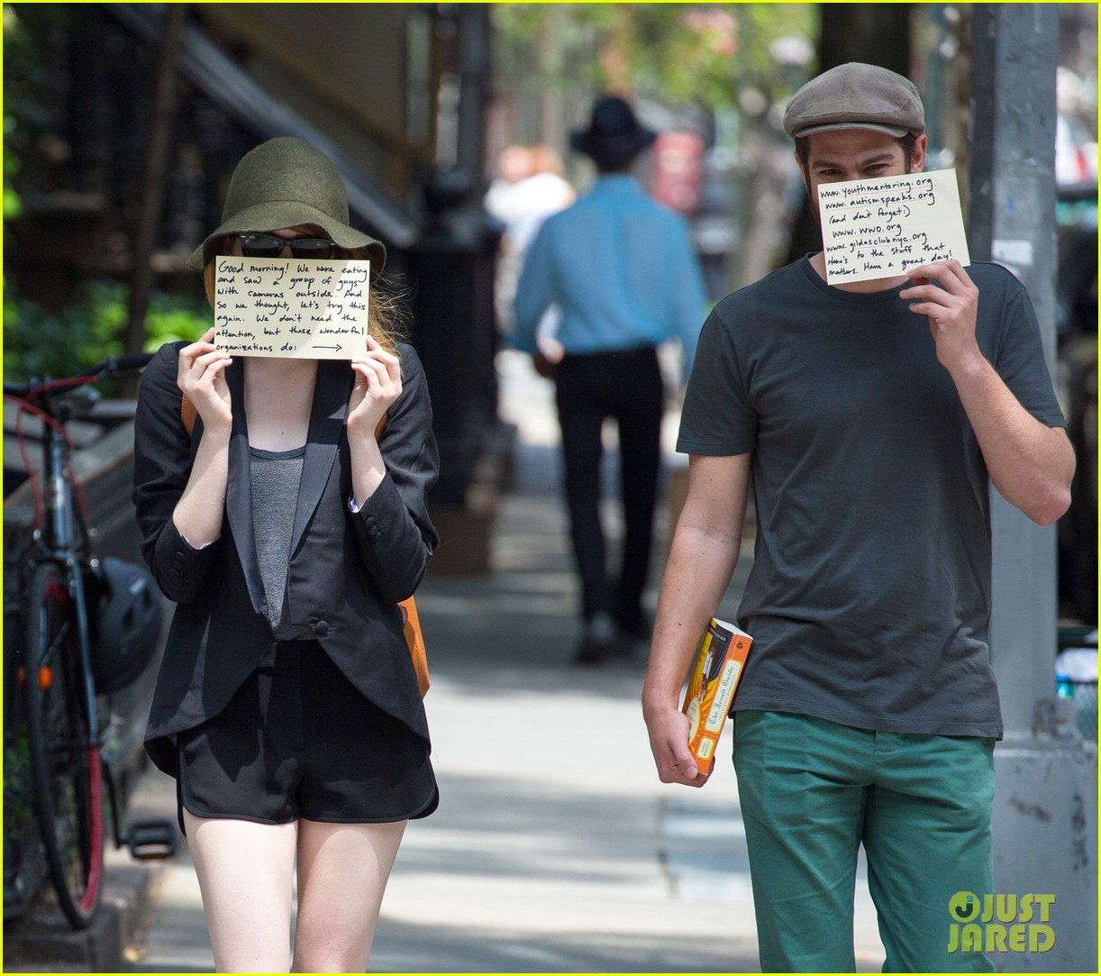 emma stone andrew garfield use signs to raise awareness 13