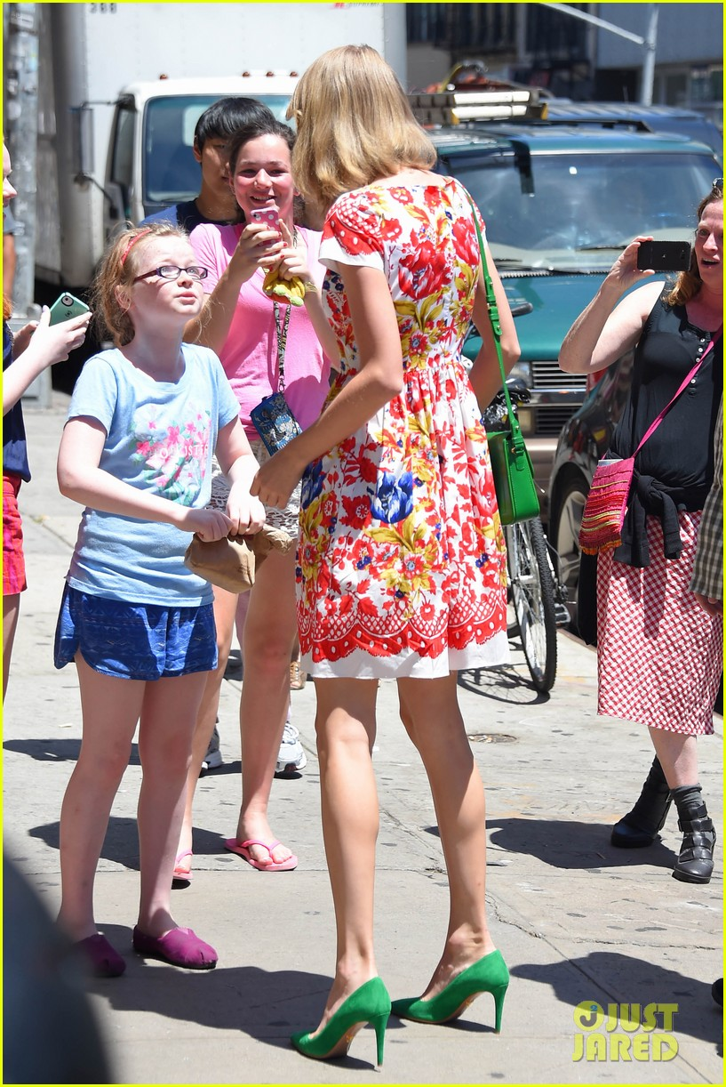 taylor swift wildflower dress young fans nyc 013140032