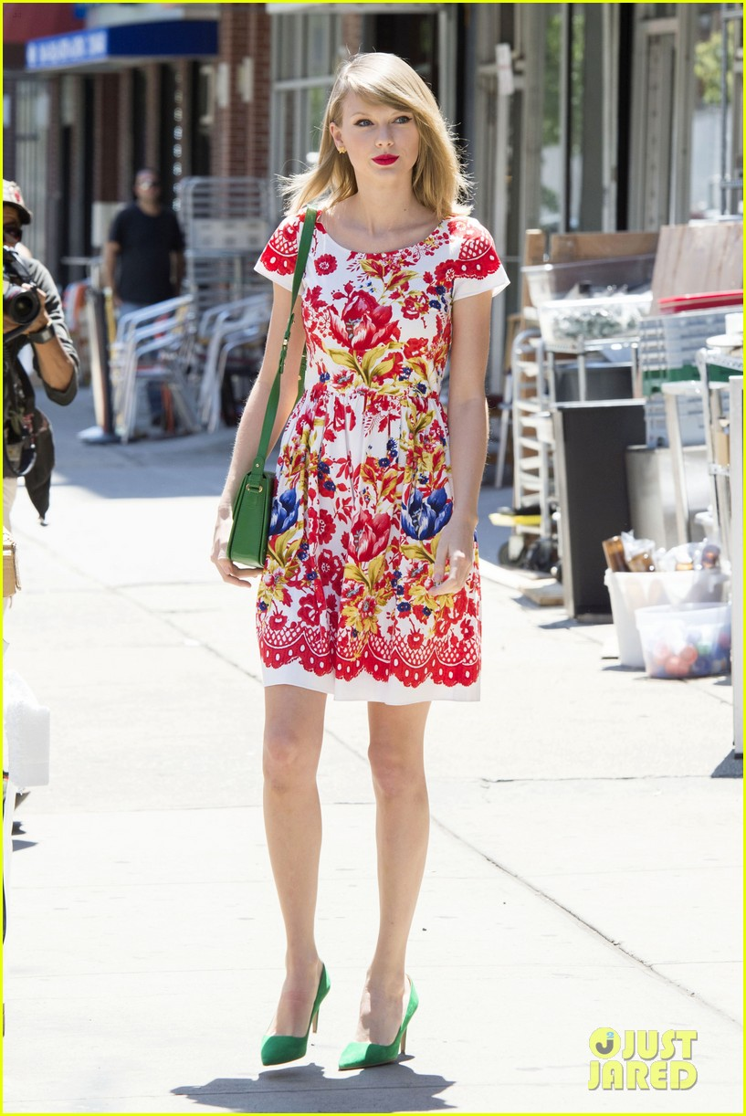 taylor swift wildflower dress young fans nyc 153140046