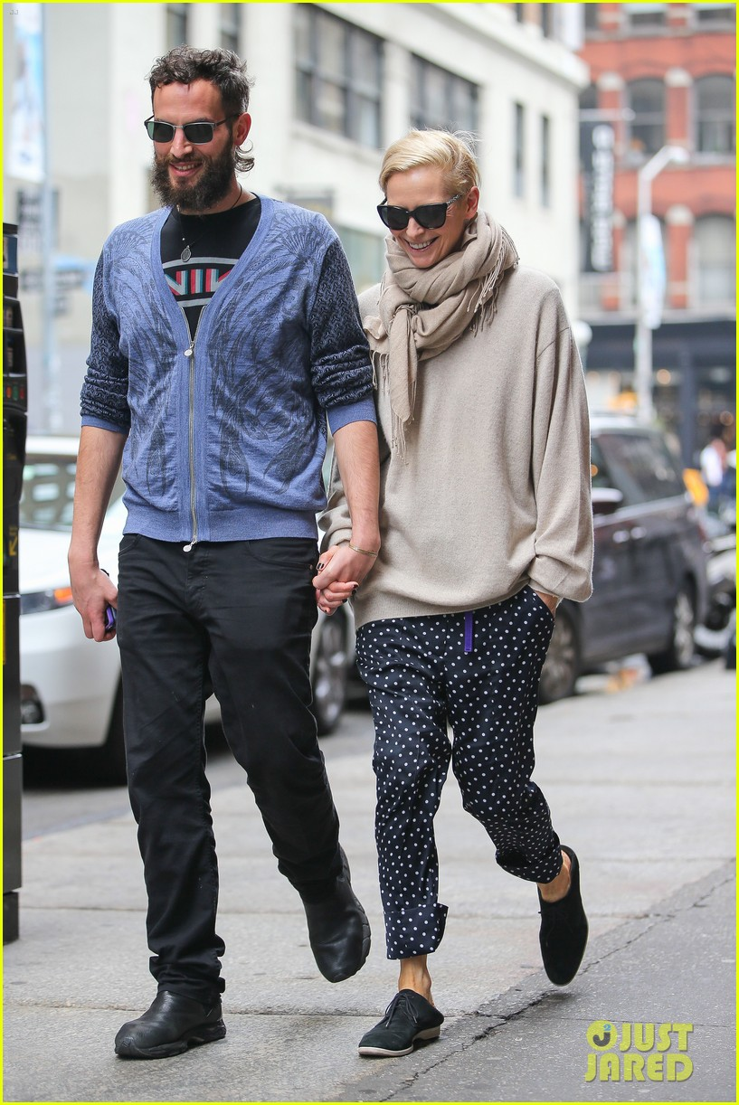tilda swinton ditches her makeover for day out with sandro kopp 11