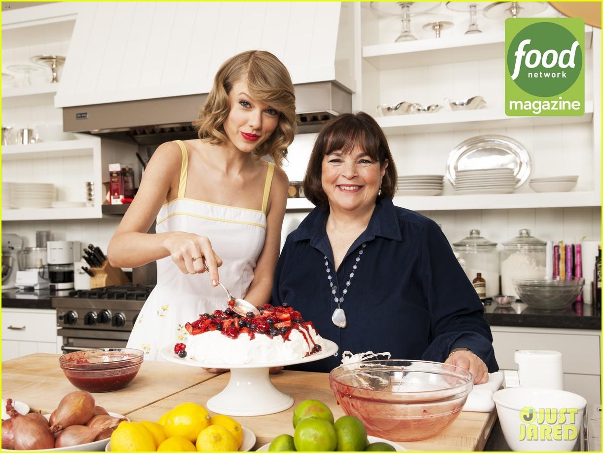 Full Sized Photo of taylor swift bakes ina garten food