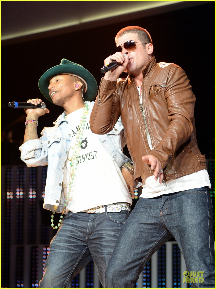 robin thicke pharrell williams support walmart 023130151