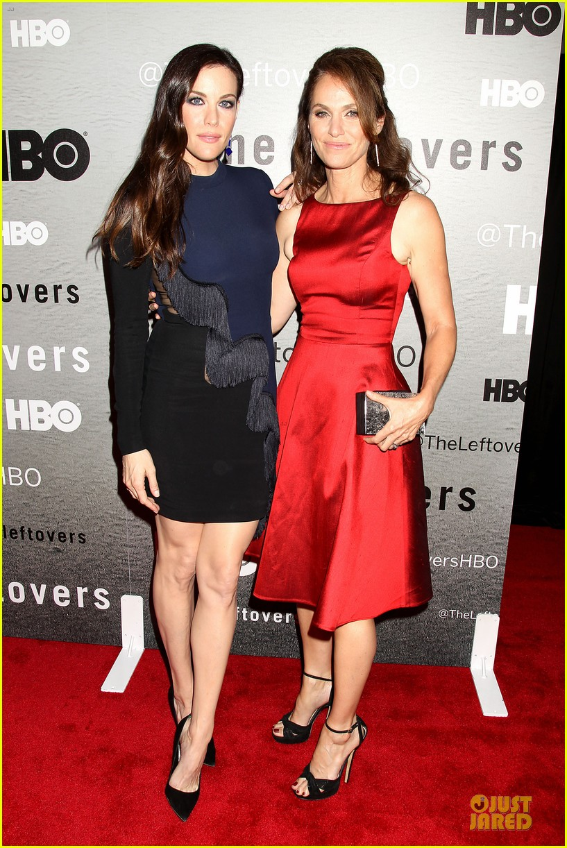 liv tyler amy brenneman stunning at leftovers premiere 11