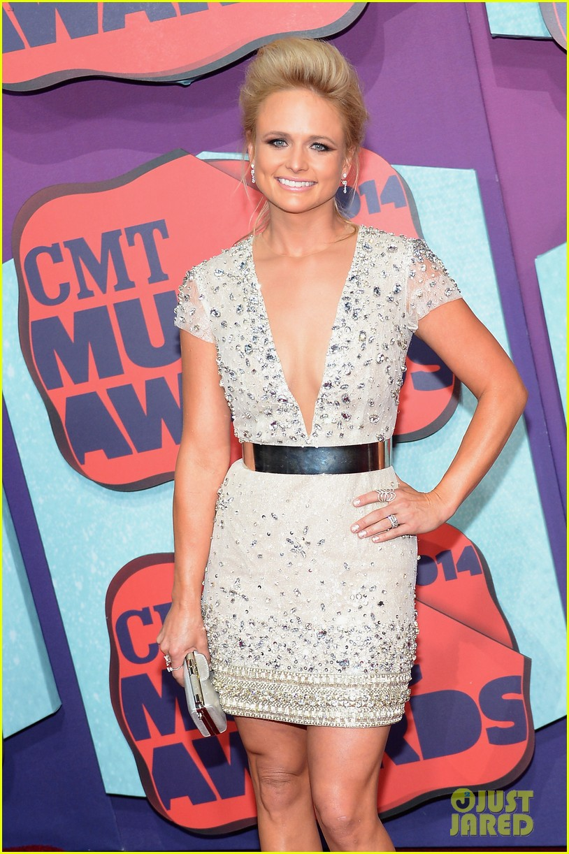 carrie underwood miranda lambert cmt music awards 2014 153128360