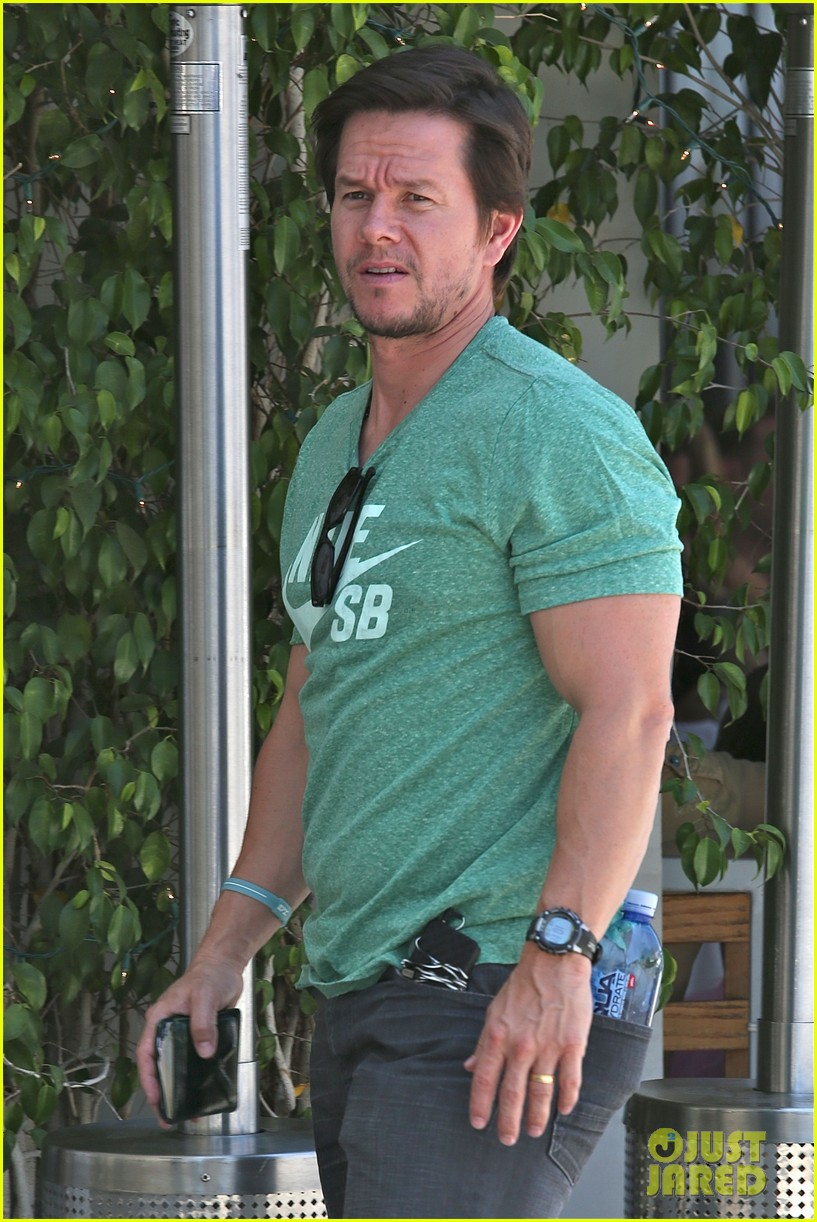 mark wahlberg talks about transformers age of extinction dinobots 073126050