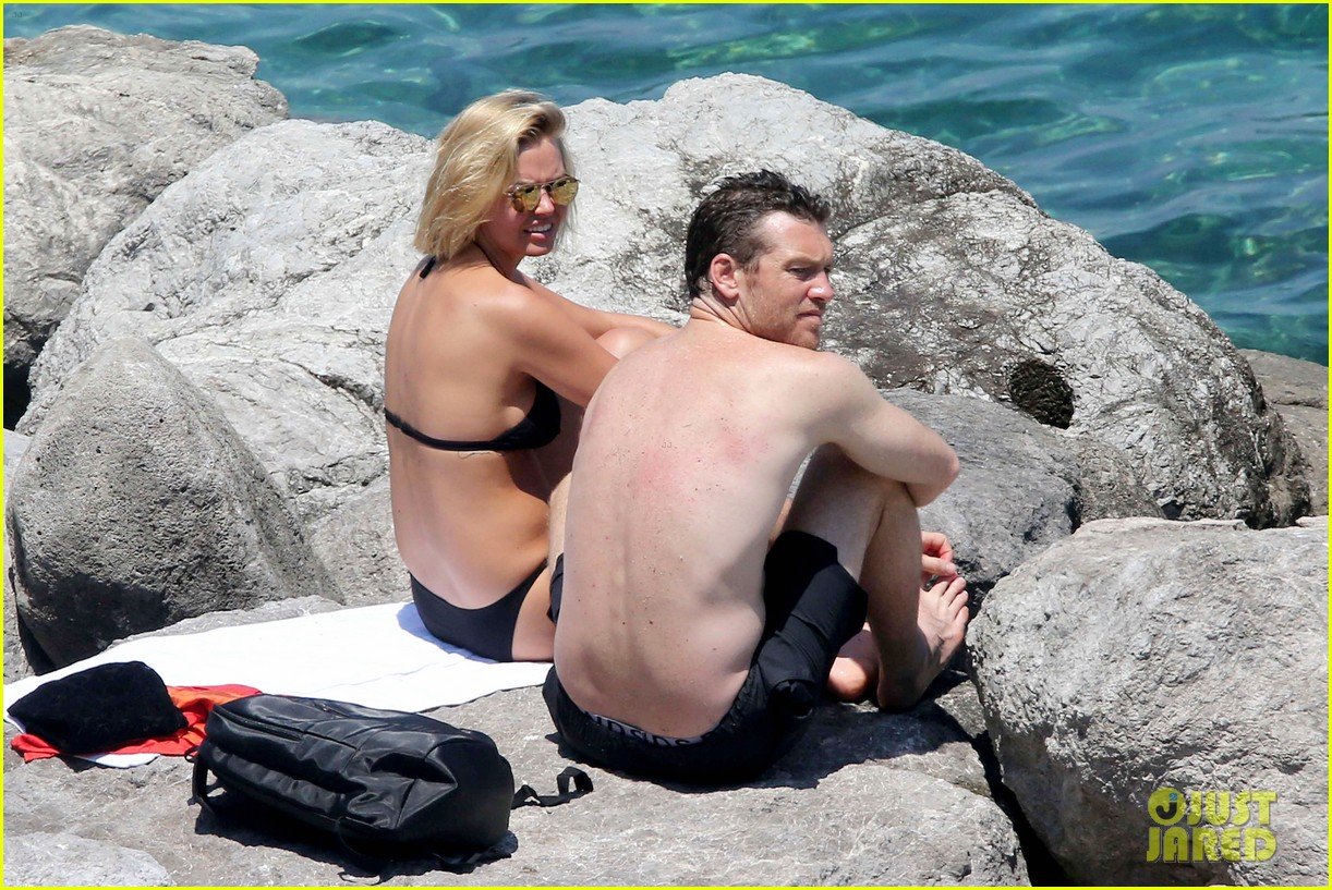 sam worthington lara bingle get handsy pack on the pda on beach 08