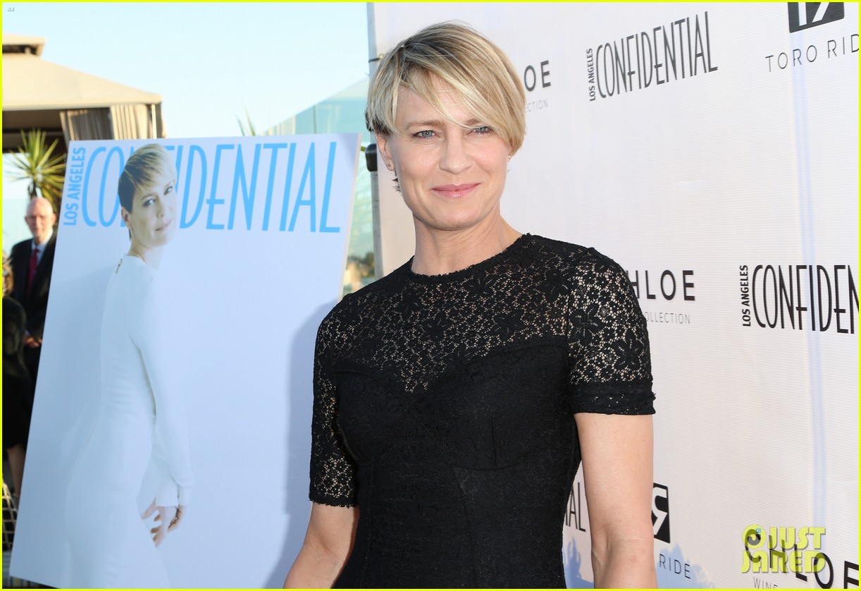 robin wright celebrates her la confidential cover 04