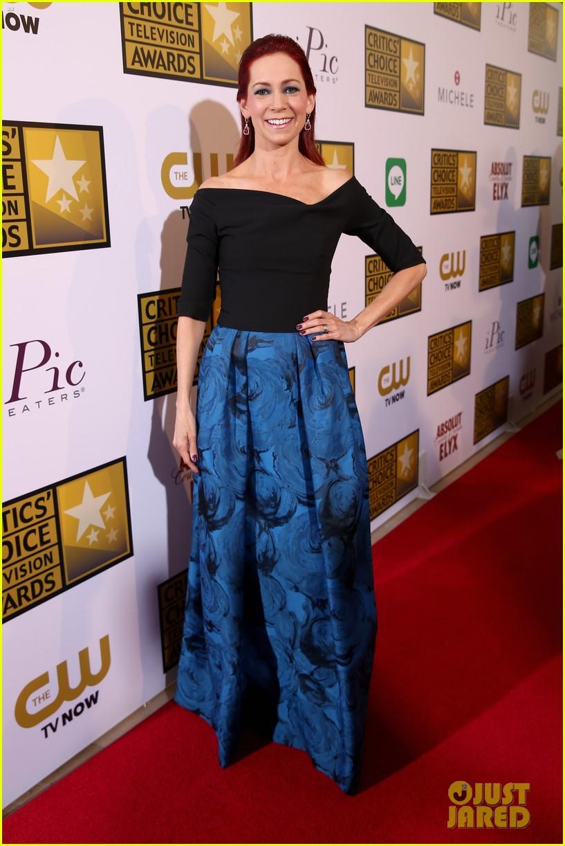 bellamy young wins at critics choice tv awards 2014 033139401