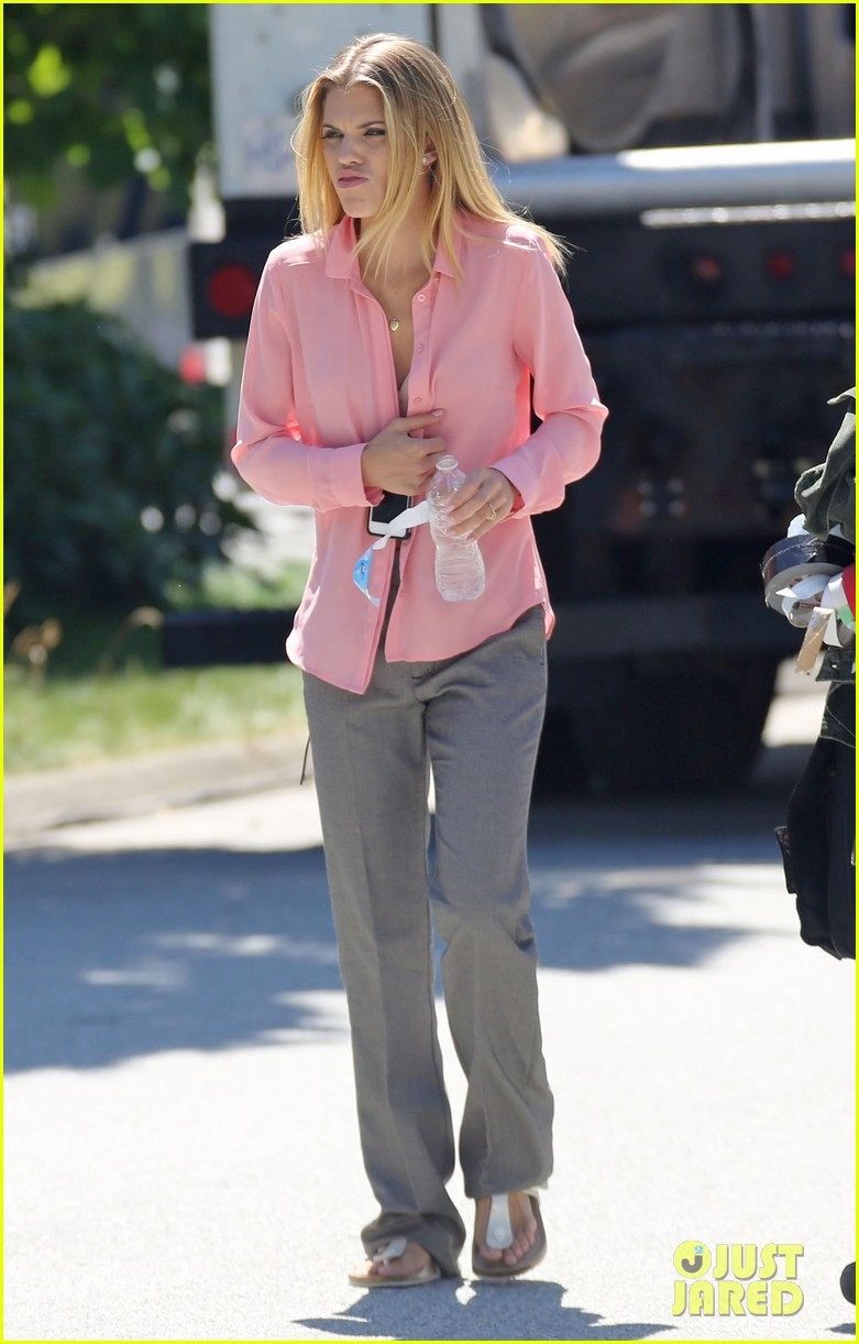 annalynne mccord starbucks run photographs filming 023152671