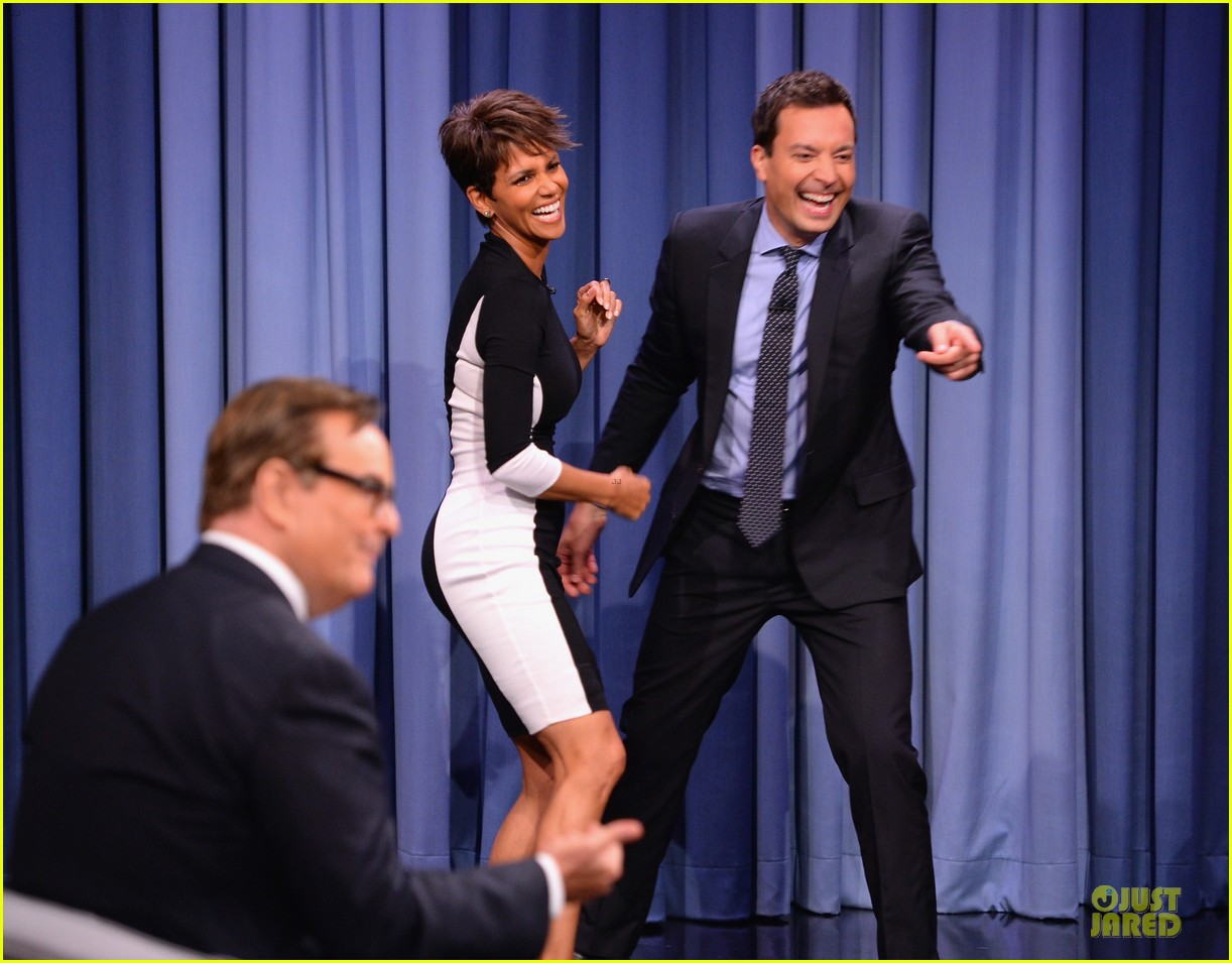 halle berry animated for charades on tonight 03