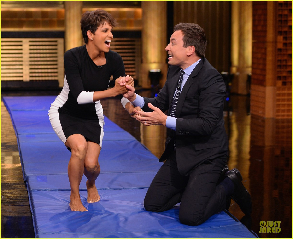 halle berry animated for charades on tonight 06