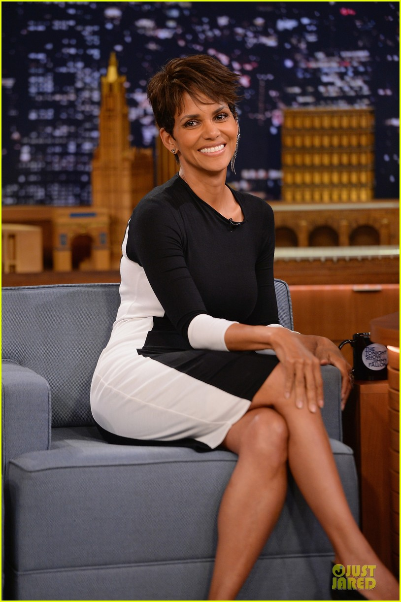 halle berry animated for charades on tonight 07