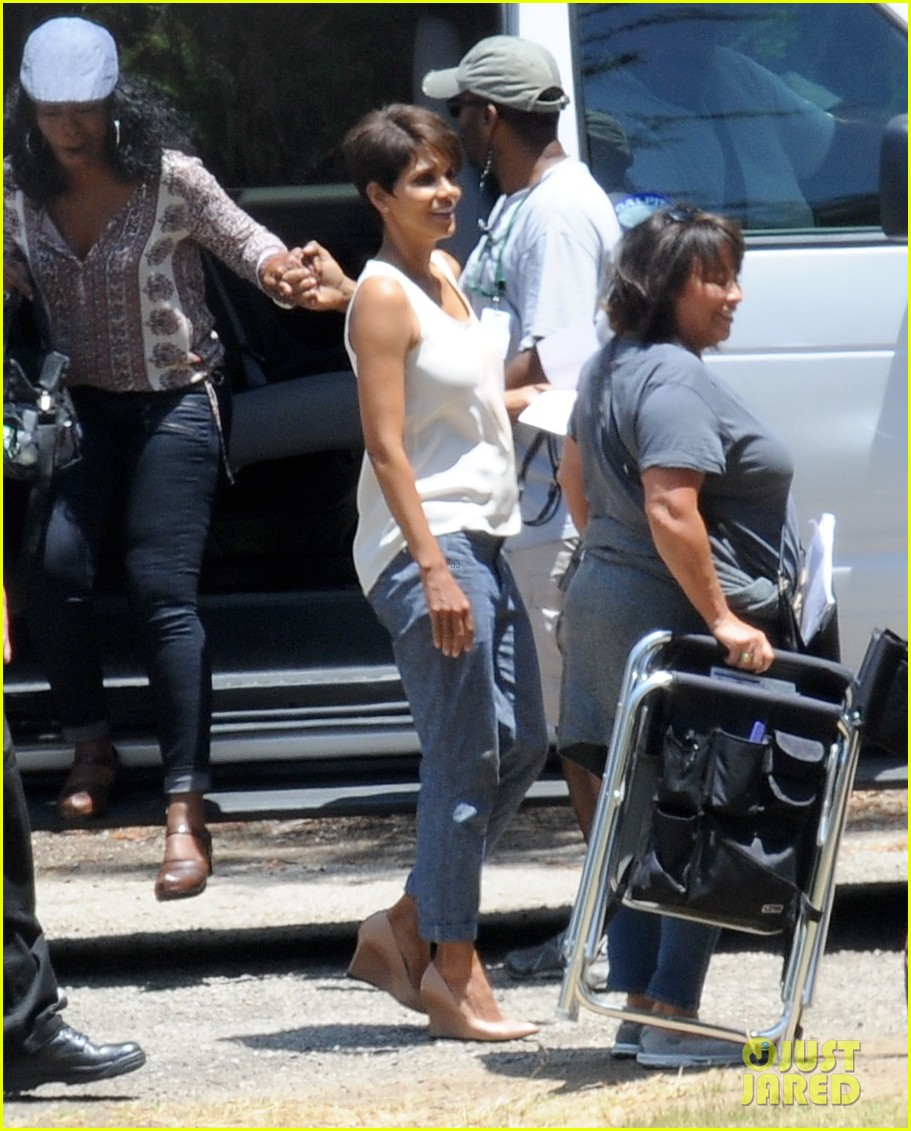 halle berry has intense space encounter in extant 043148837