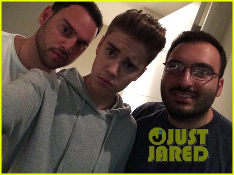 justin bieber looks totally naked in new selfie after partying 05