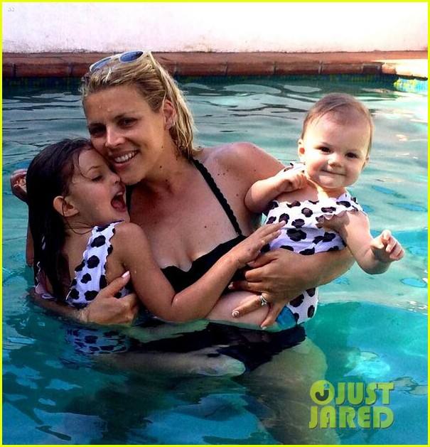 busy philipps shares the cutest family pool pic with daughters birdie cricket 013153818