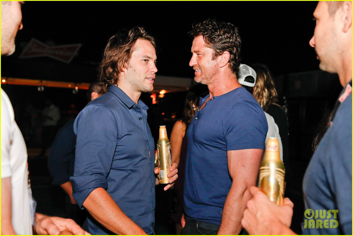 gerard butler taylor kitsch hang out in brazil 11