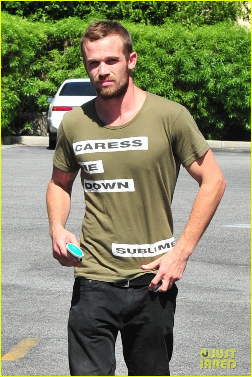 cam gigandet steps out after making controversial comments about oc 13