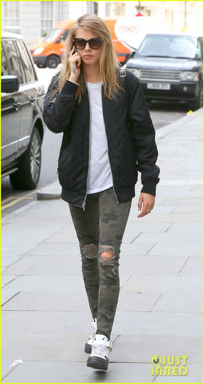 cara delevingne sexuality having good time 033148656