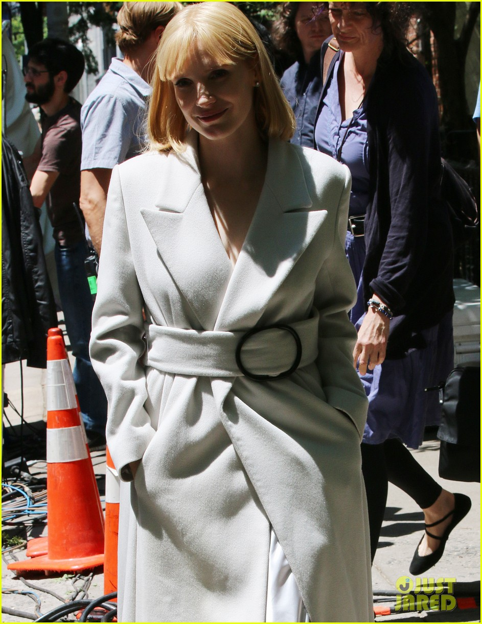 jessica chastain gets into character for a most violent year 133152483