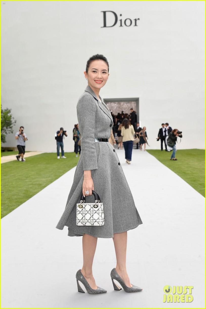marion cotillard ziyi zhang christian dior fashion show 05