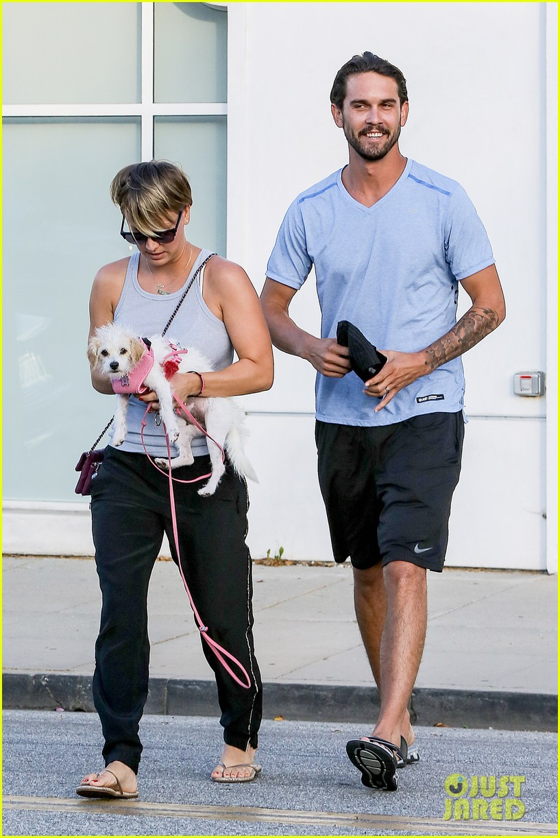 kaley cuoco ryan sweeting are home best trip ever 10